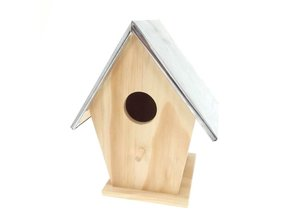Buy cheap wooden bird house with tin roof? With us you can buy this nice cheap wooden bird house with zinc roof and order online!