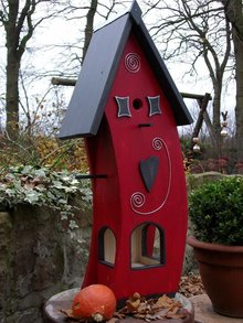 "Handgemaakte en handgeschilderde Vogelvoederhuizen! Bird Feeder ""Red Snackhouse"" hand made and hand painted"