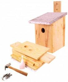 Doe-het-zelf-bouw Vogelhuisjes (bouwpakket, inhoud: plankjes, verzinkt blik, houtlijm, houten hamer, metalen spijkers)