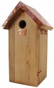 Vogelhuisje met koperen dak voor de koolmees