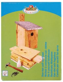 DIY Birdhouses (to knock together yourself) complete with all accessories