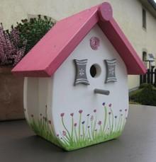 """Handgemaakte en handgeschilderde Vogelhuizen! Birdhouse """"So Sweet"""" (handgemaaakt and hand painted, dimensions: height 27 cm, width 25, depth 17 cm)"""