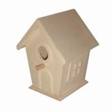 Goedkope houten vogelhuisjes met reliëf ramen en deur (om zelf te pimpen) afmeting 12 x 10 x 9 cm