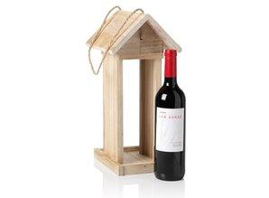Vogelvoederhuisje passend voor een goede fles rode wijn!