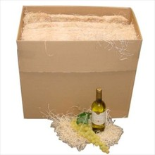 1 kartonnen doos houtwol (inhoud 8 kg) speciaal voor het opvullen van wijnkisten, kerstpakketten en themapakketten!