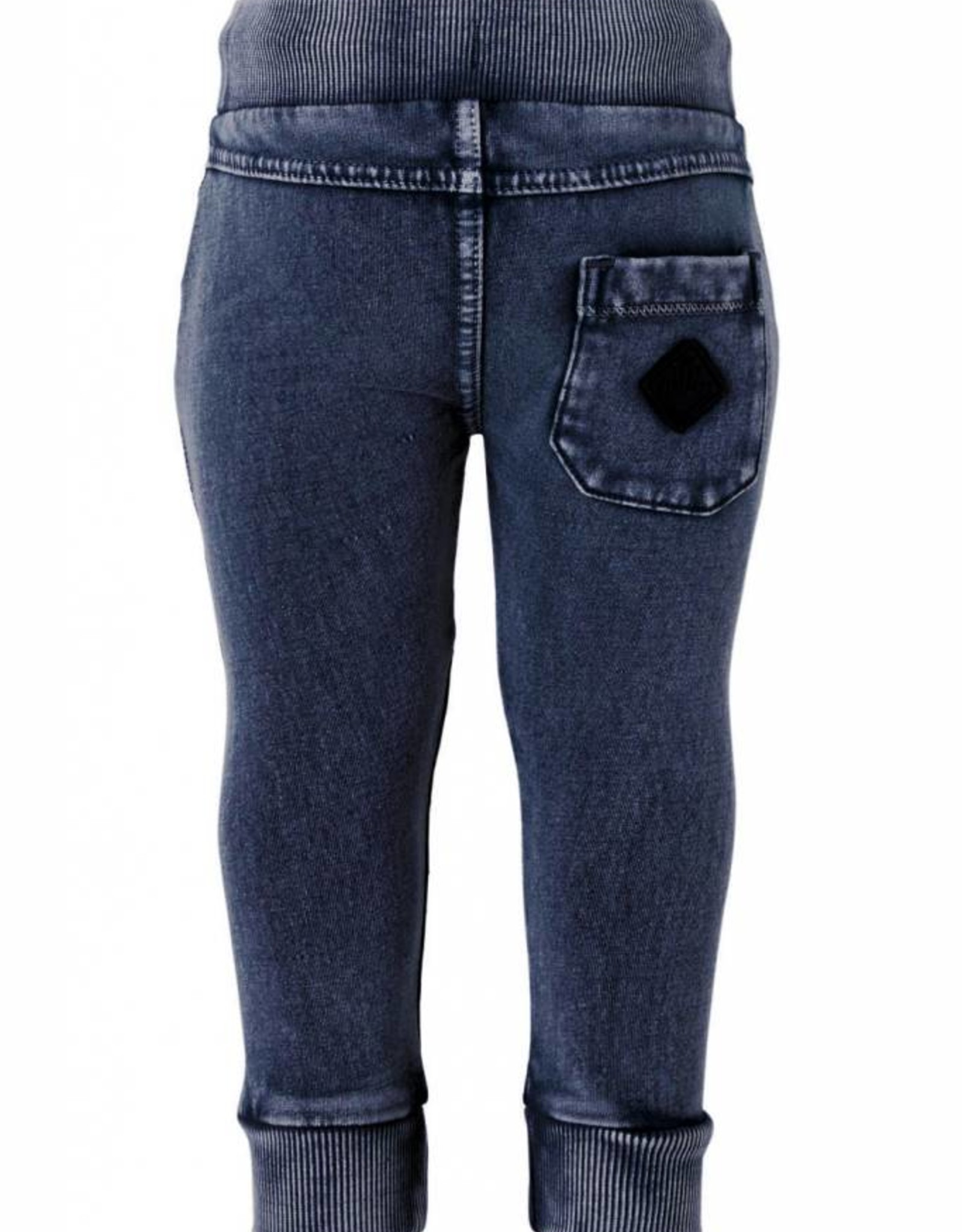 Born to be famous Broek Gawa
