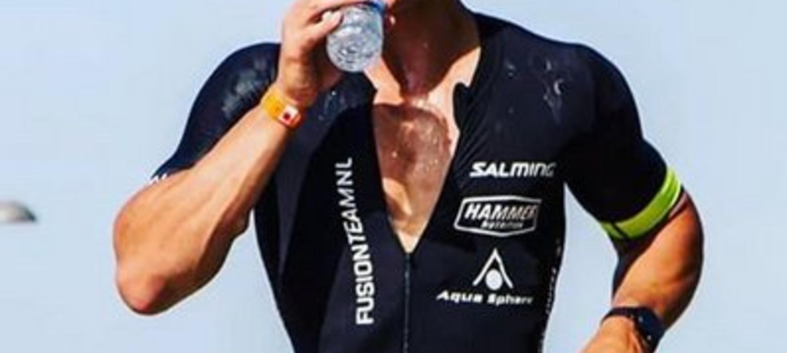 Hoeveel moet je drinken voor een optimale gezondheid en sport prestatie?