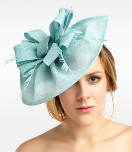 FASHION EMERGENCY Feather Fascinator