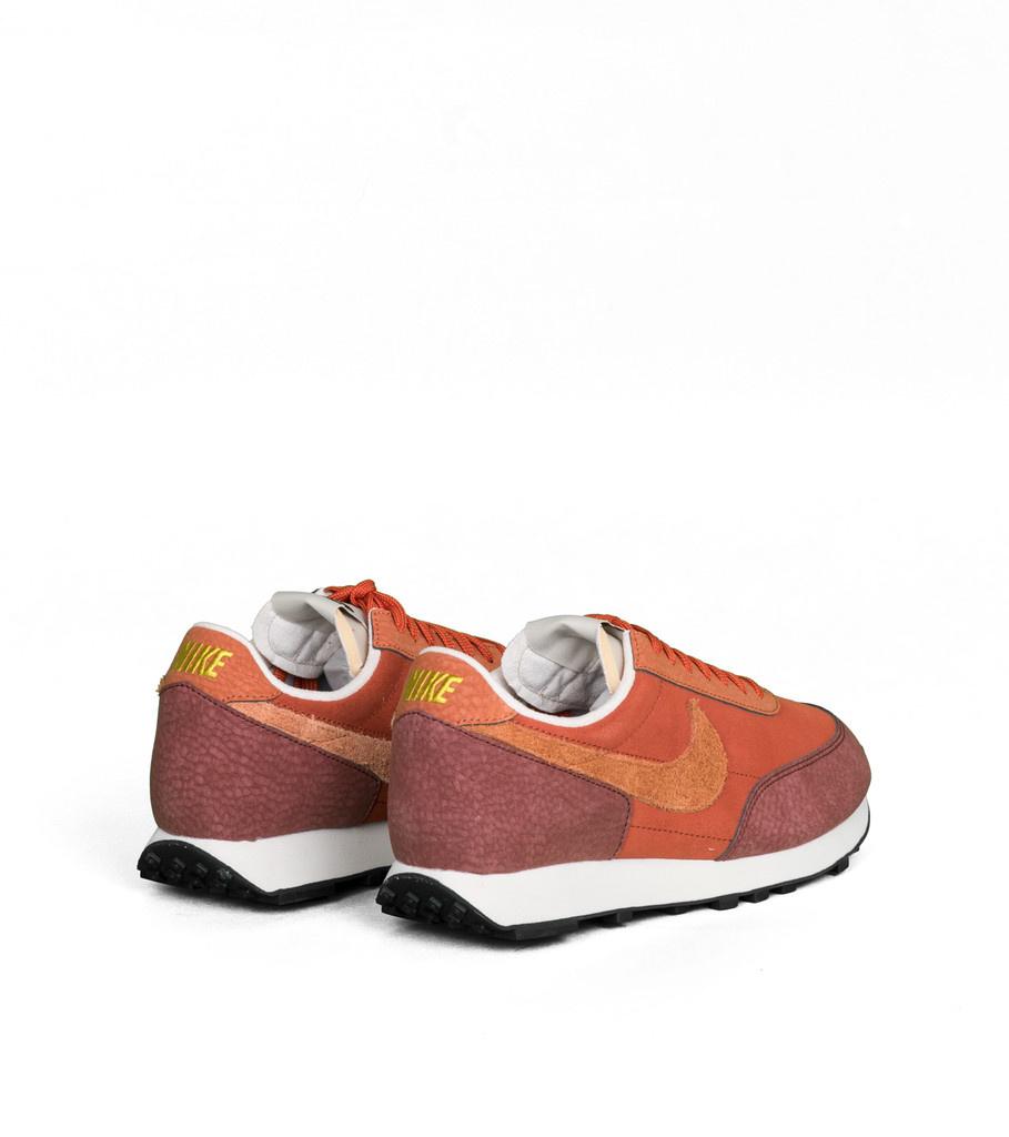 "Nike Daybreak ""Rugged Orange"""