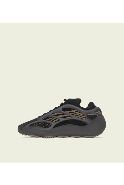 "Yeezy 700 V3 ""Clay Brown"""
