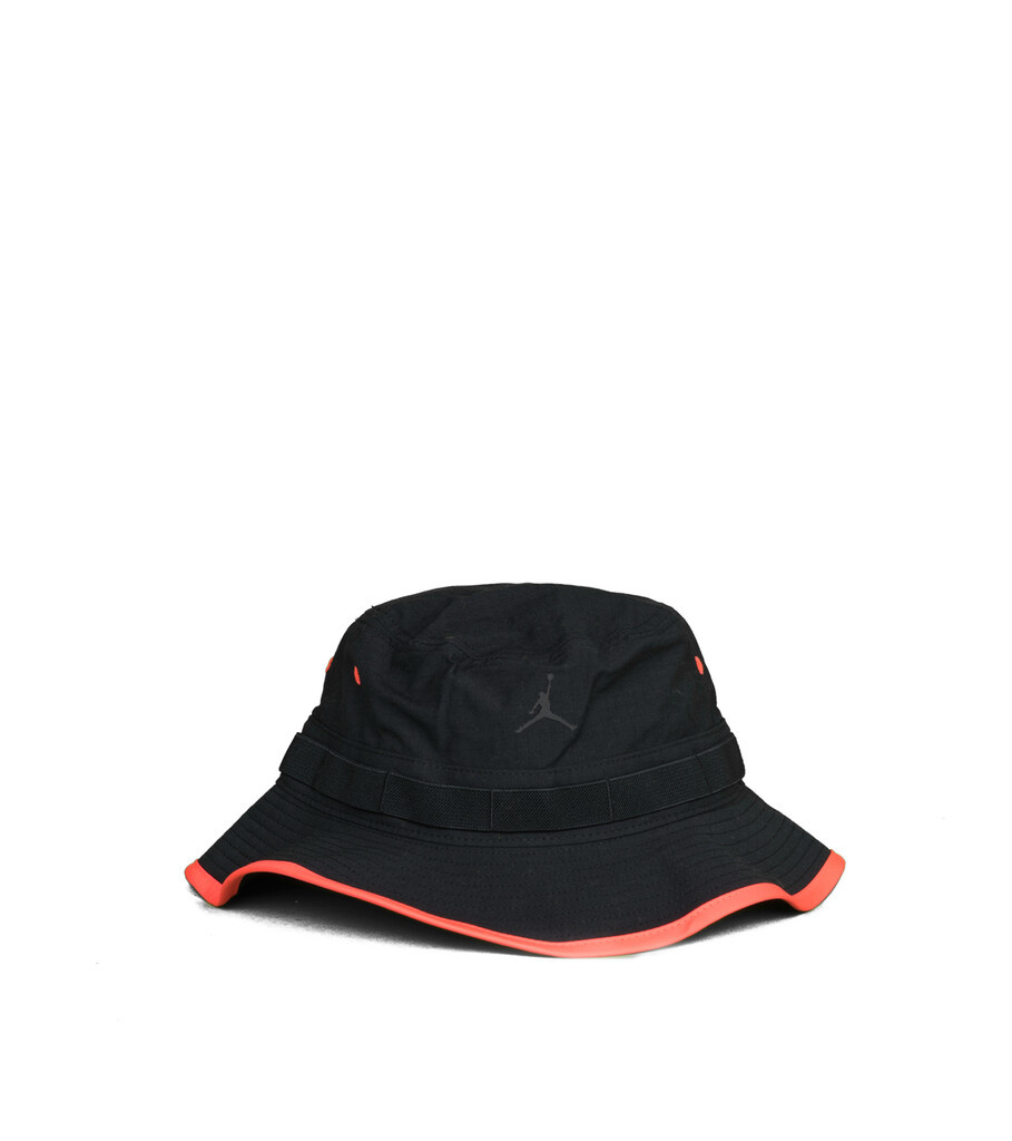 "Jumpman Buckethat ""Black/Infrared""-1"