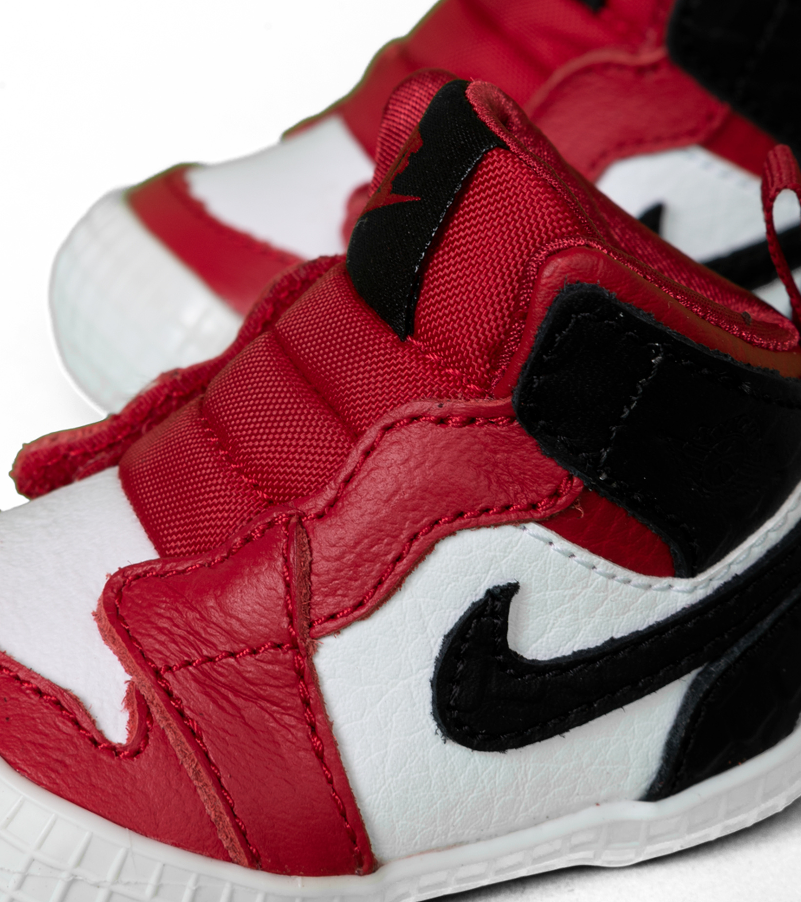 "1 Crib Bootie (TD)  ""Gym Red/Black""-5"