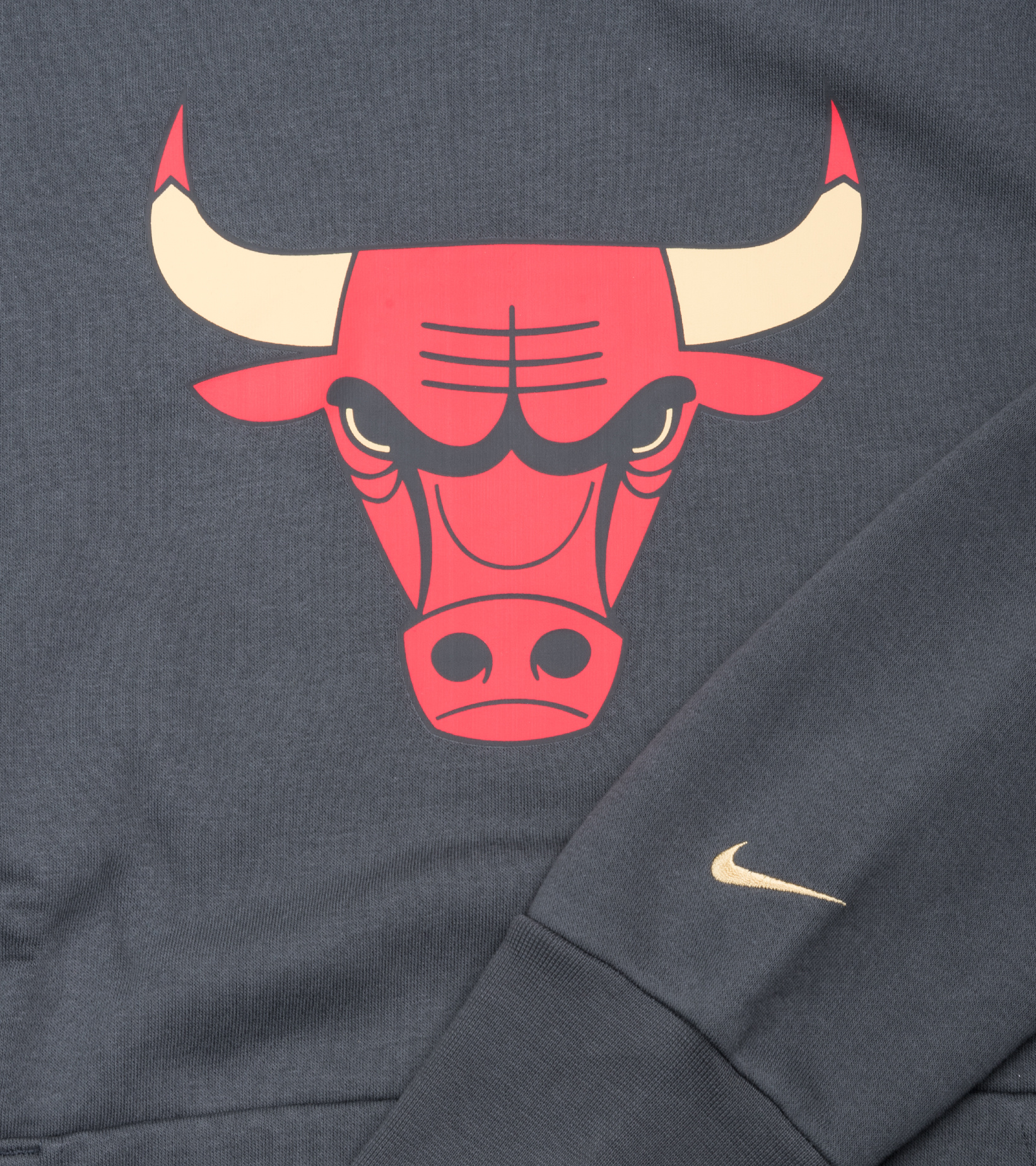 """Chicago Bulls City Edition '20 Essential Hoodie """"Anthracite/Gold""""-3"""