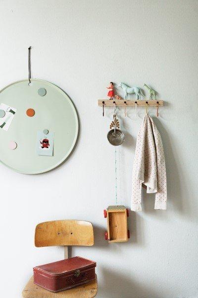 Kapstok KEESJE met magneetbord MARIE op de kinderkamer