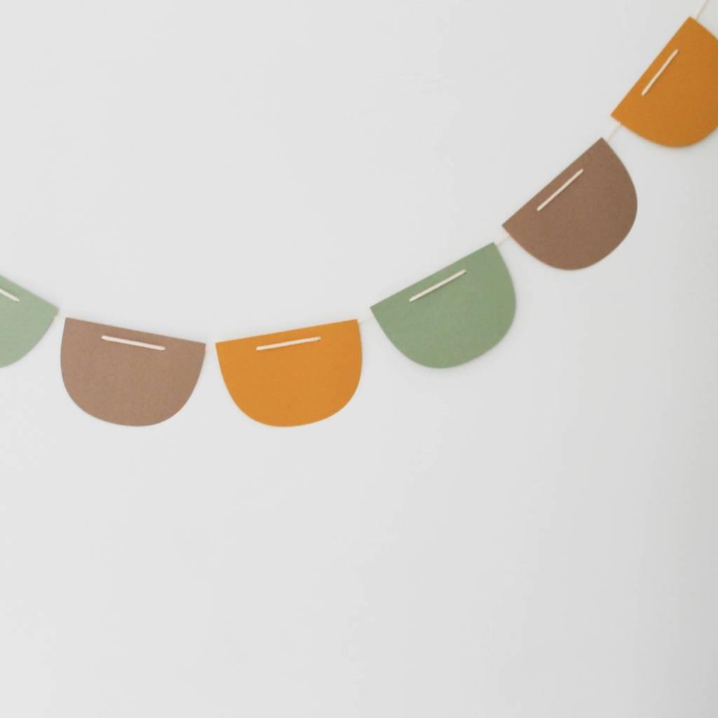 Vlaggenlijn oker-muskat-zijdegroen
