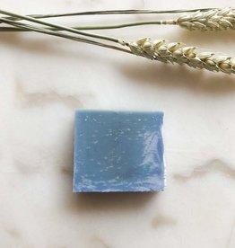 Zeep ijsblauw