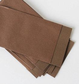 Papieren zakje donkerbruin