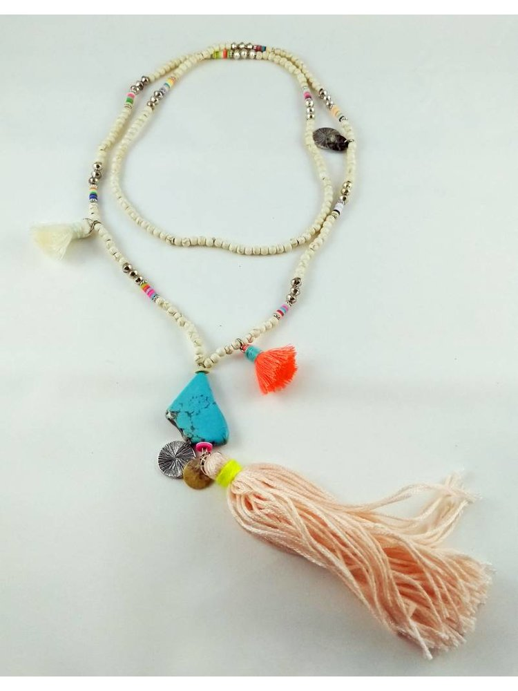 J.Y.M. Necklace made of beads and pink brush