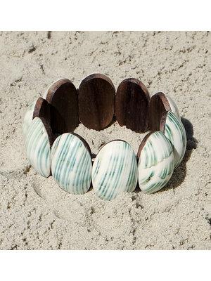 Hot Lava Bracelet shell on wood 1