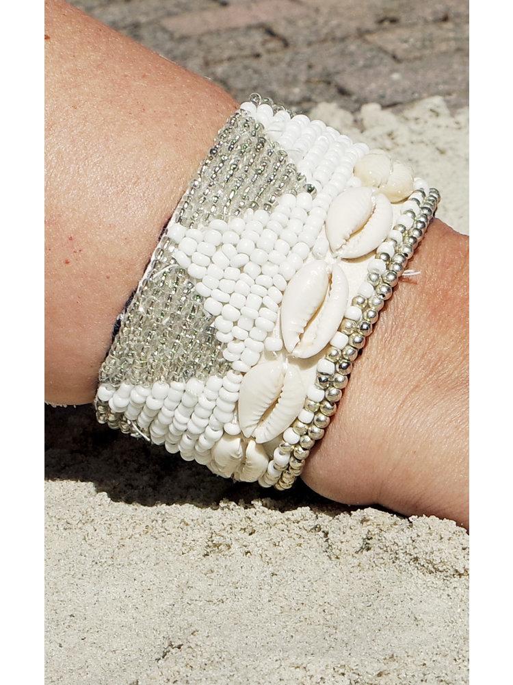 Hot Lava Bracelet Luxury Beads & Shell 3