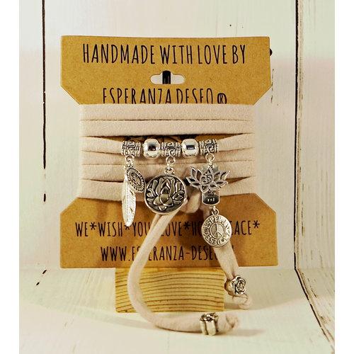 Esperanza Deseo Bracelet Natural Collor & Charms nude