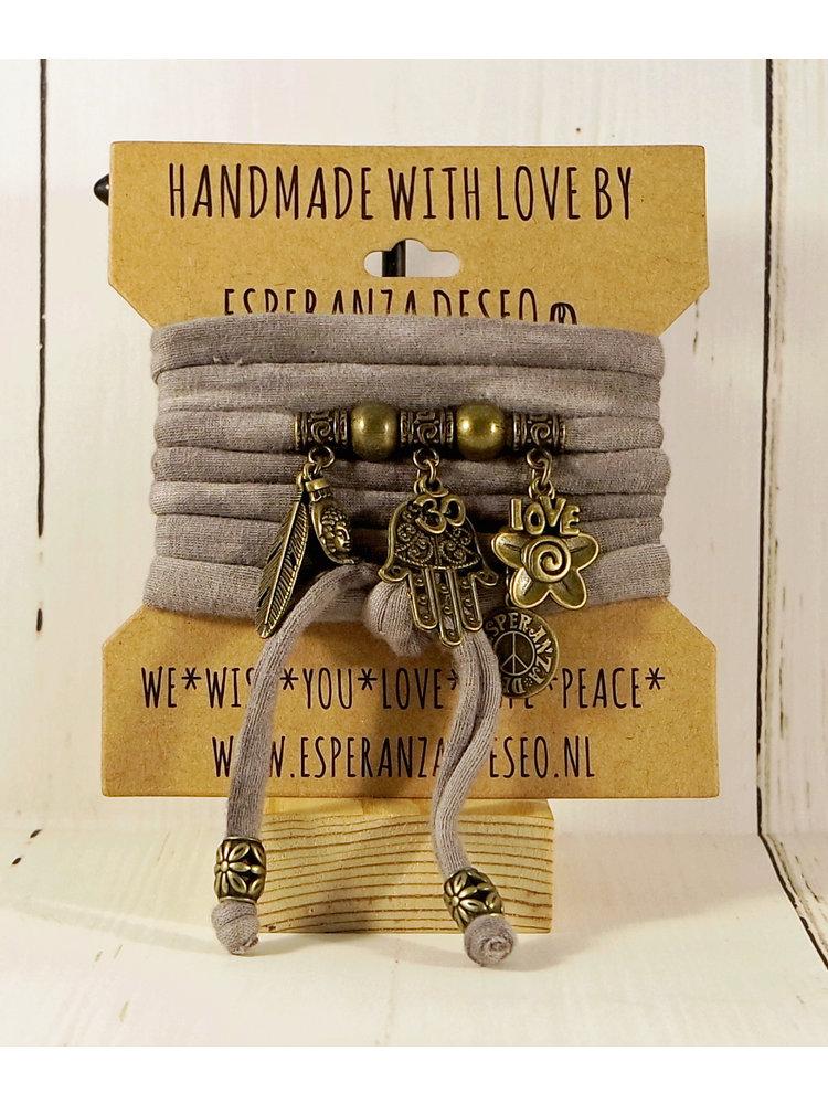 Esperanza Deseo Bracelet Natural Collor & Charms grijs