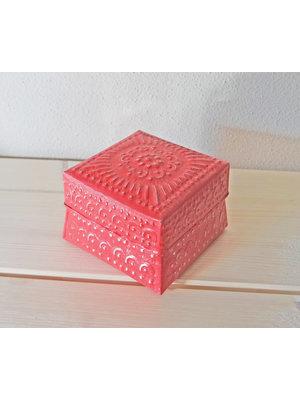 J.Y.M. Aluminium offering box