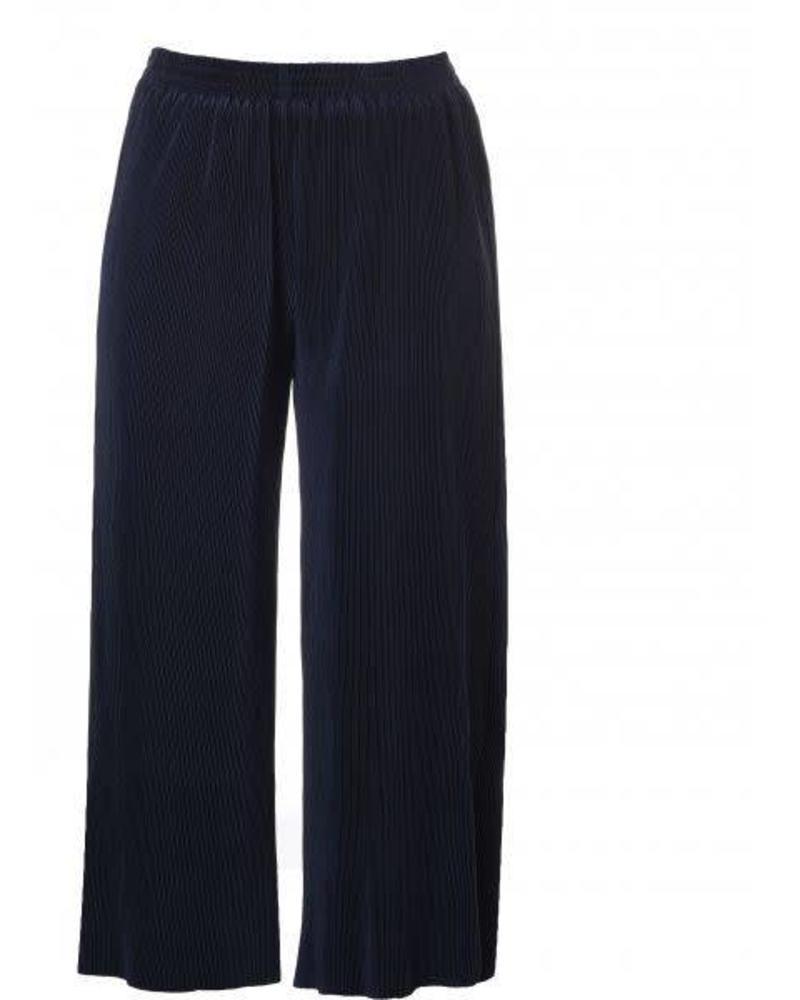 wide pants plisse