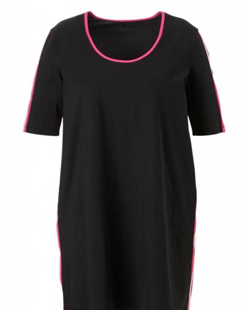 PlusBasics #11-D A-lijn top black/pink