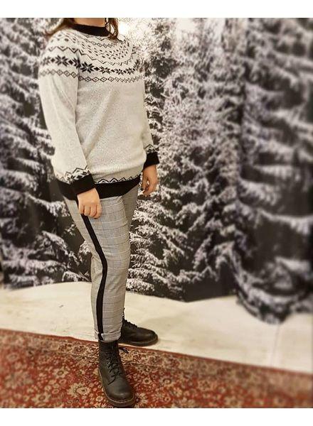 fashion pants: checks (only)