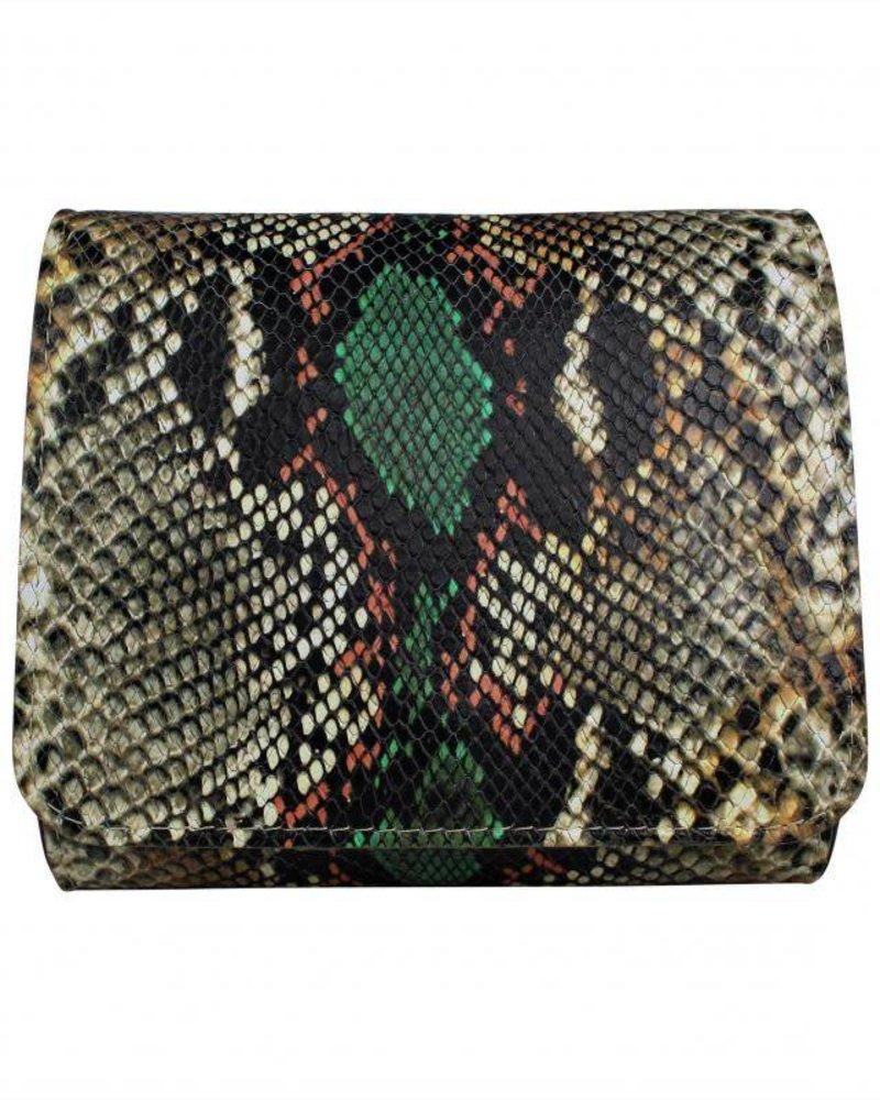tas snake colour