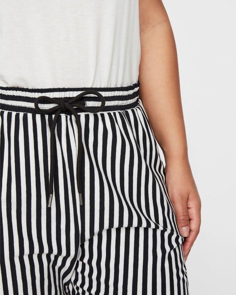 Junarose maci shorts stripes