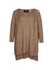 Zoey oversized knit Jessica