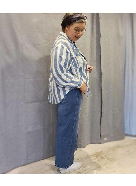 Lee wide leg jeans & blouse