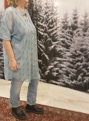 blouse/tunic ice blue Zoey
