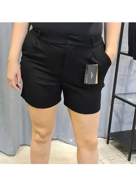 Vero Moda Curve shorts Eva