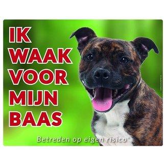 Stickerkoning Staffordshire Bull Terrier Waakbord - Ik waak voor Brindle