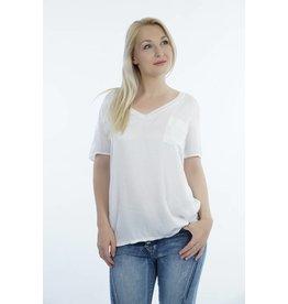 Shirt wit met V-hals en borstzakje