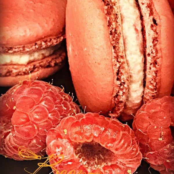 Patisserie & Chocolaterie Boom BESTELLEN: MACARON FRAMBOISE