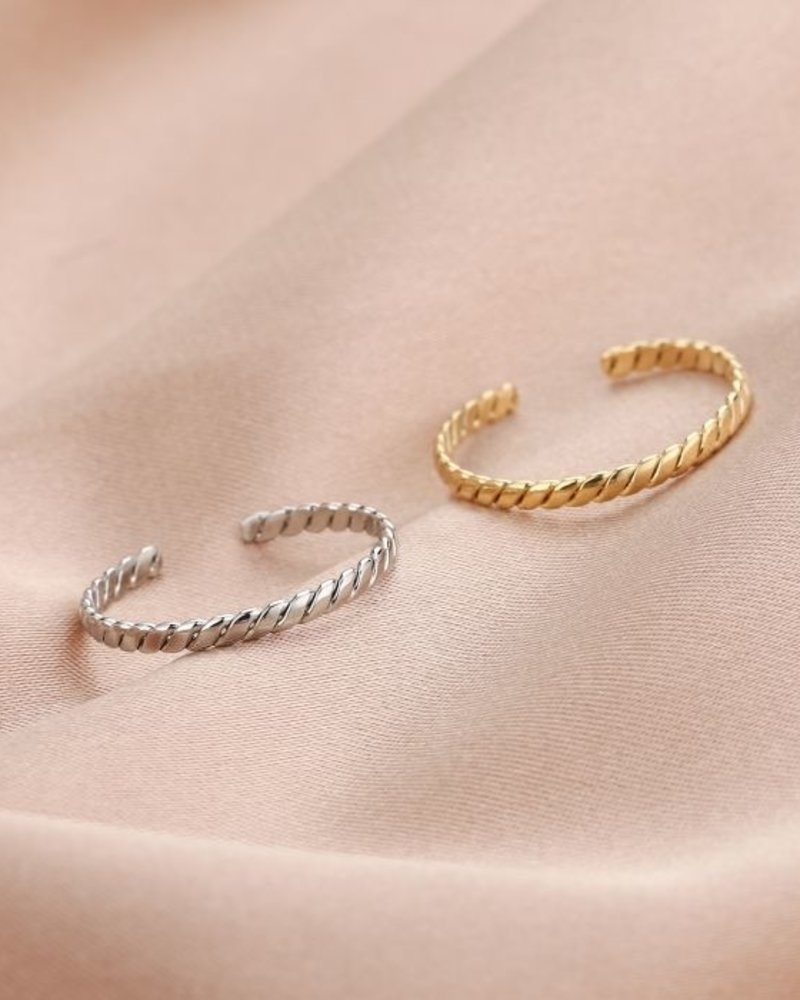 Fashion-Click Ring Twisted Design