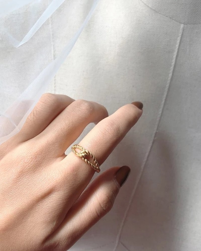 Fashion-Click Ring Twisted Rope