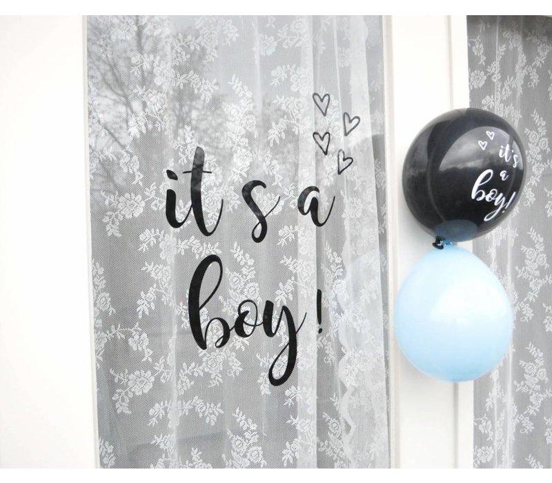 SuzyB Raamsticker it's a boy