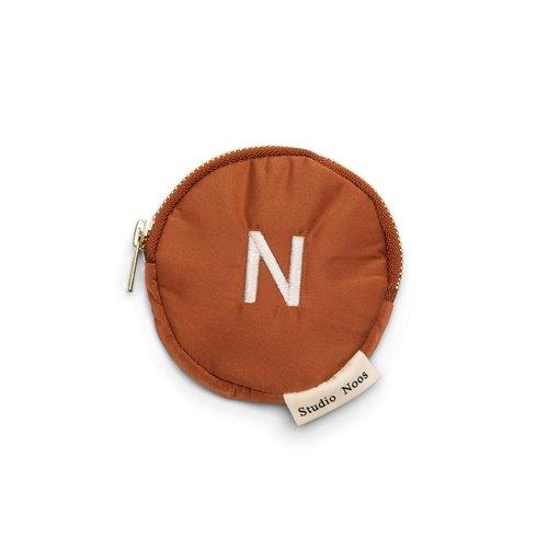 Studio Noos Rust puffy wallet