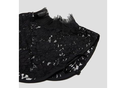 BLACK LACE COLLAR