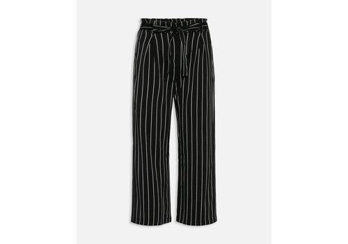 SISTERSPOINT BLACK WHITE REX PANTS