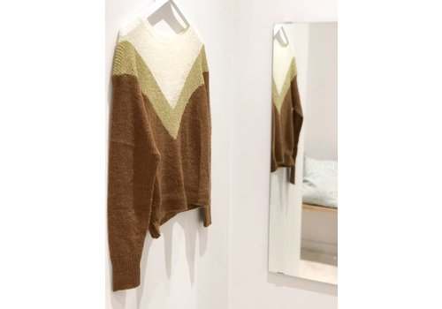 CAMEL WITH GOLD LUREX DETAIL KNIT