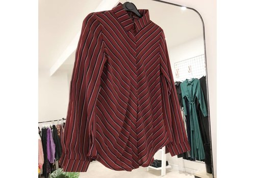 BURGUNDY LENNON BLOUSE
