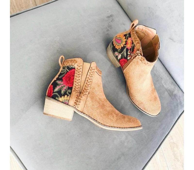 AZZIE BOOTS