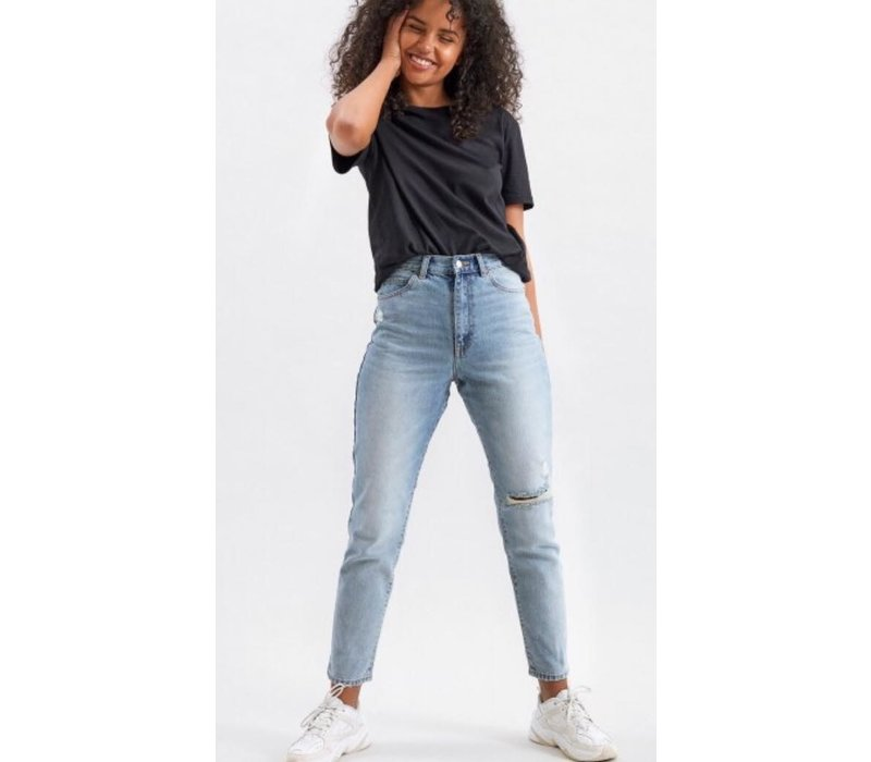 NORA DOWNTOWN BLUE RIPPED JEANS
