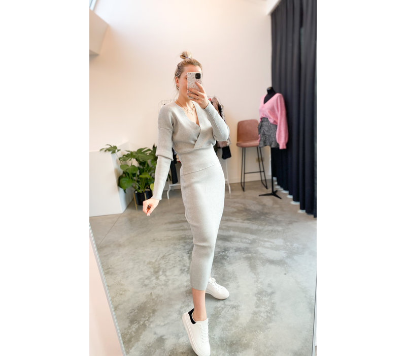 GREY KNITTED TWINSET